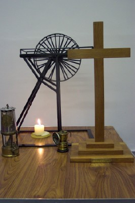Pit Wheel & Miner's Lamp with the Cross